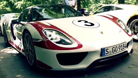Dario Franchitti drives the Porsche 918 Spyder at Goodwood